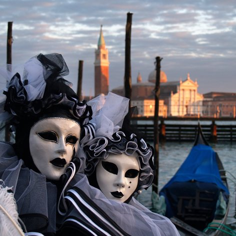 Venice Carnival Photos of the Carnival of Venice; Masks, baroque clothes and decorations, carnival make-up, Gondolas, Channels; pictures…